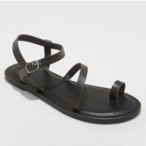 Universal Thread Size 7.5 or 10 Black Strap Sandal